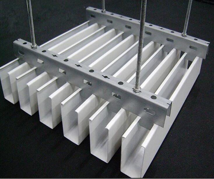 U型铝方通安装步骤